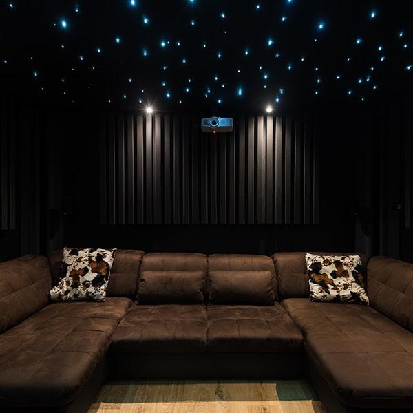 salle de détente avec plafond étoilé à Gérardmer