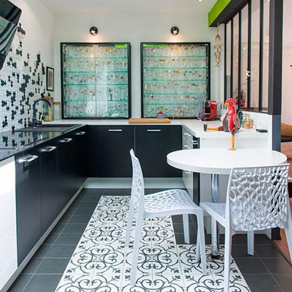 maison bois-black and white-booa