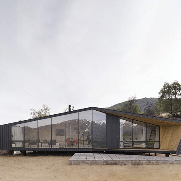 Refuge en bois en pin moderne au Chili