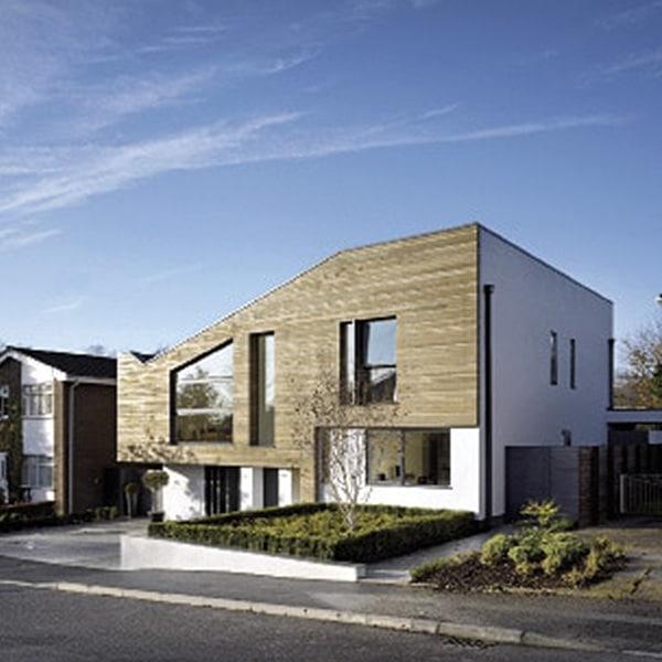 maison bois atypique rénovée au Royaume-Uni