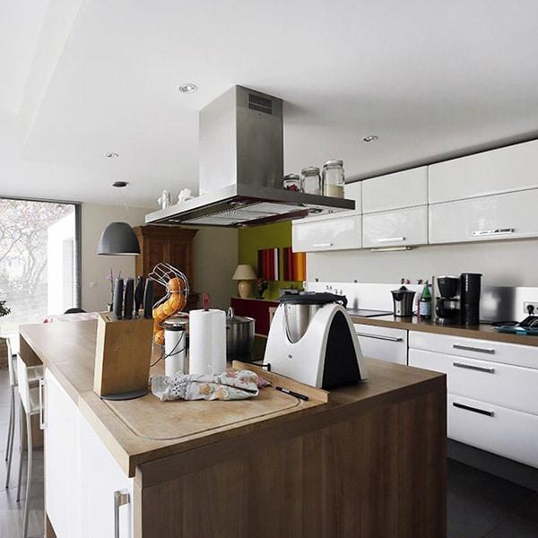Maison bois/béton moderne conçu par SCPA Darigaux