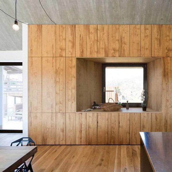 aménagement intérieur d'une maison en bois en Slovénie