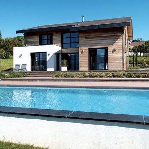 Maison bois écologique avec piscine
