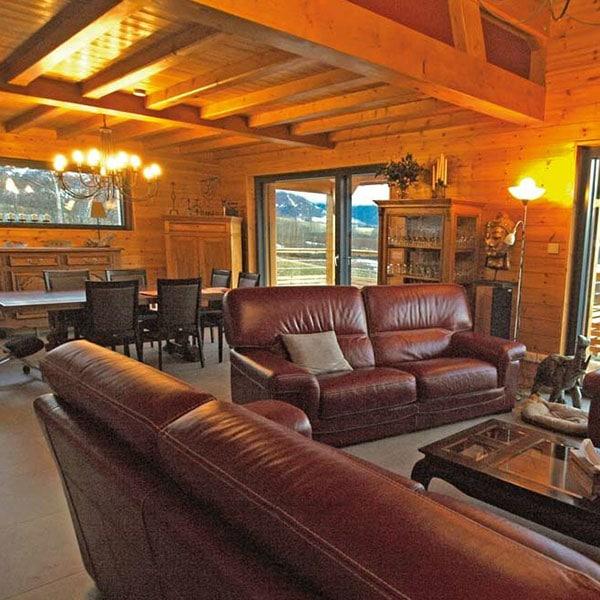 aménagement intérieur d'une maison en bois en Haute-Alpes