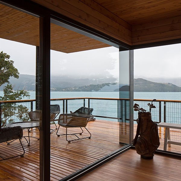 terrasse en bois d'une maison en bois