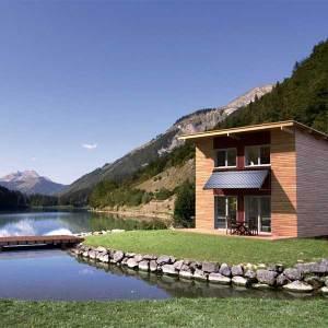 maison-bois-lac-nature-calme