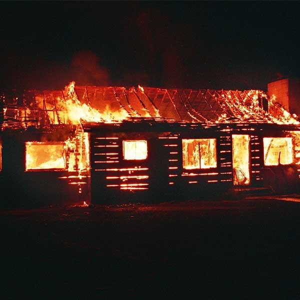 Incendie d'une maison bois © Pexels de Pixabay