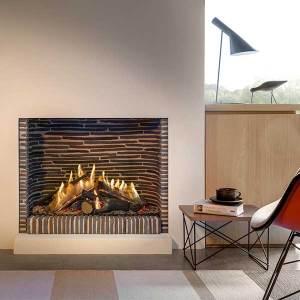 Kalfire GP75/59F, habillage du foyer avec des briques flamandes : un intérieur rustique pour une cheminée à gaz ultra-moderne