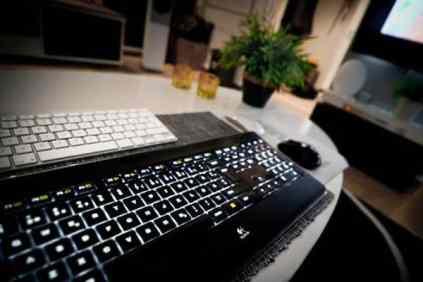 Home Technology-apple logitech keyboard mouse