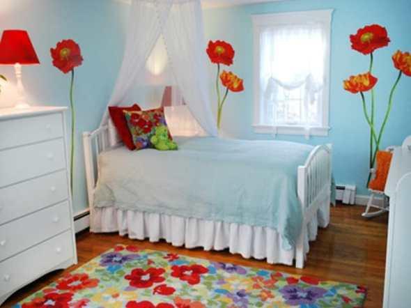 Girls bedroom with florist wall art