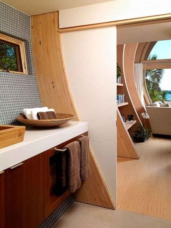 bathroom of hammock guest house