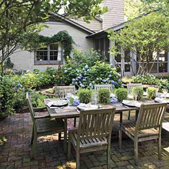 cozy dining outdoor area