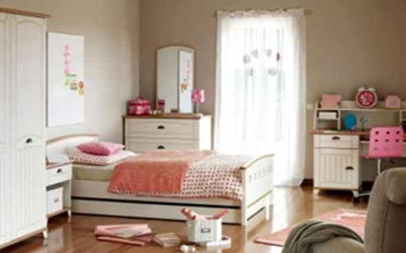 kids bedroom with bunk beds