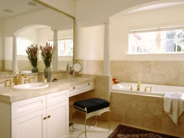 luxurious bathroom in small house