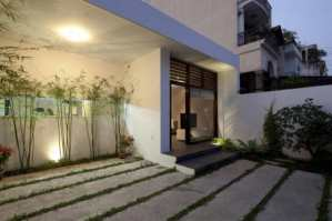 Elegant Looking Outer Courtyard - Sophisticated Modern Penthouse Design
