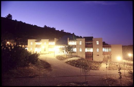 Environmental Resource Center and Rural Tourism, Valencia / by Luis de Garrido