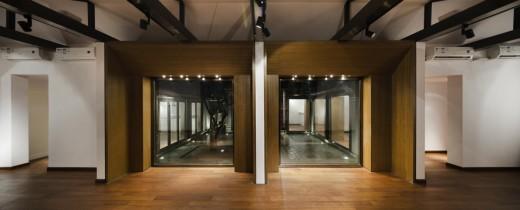 Courtyard House in Guan Shu Yuan Hutong, Beijing / by Atelier Liu Yuyang Architects