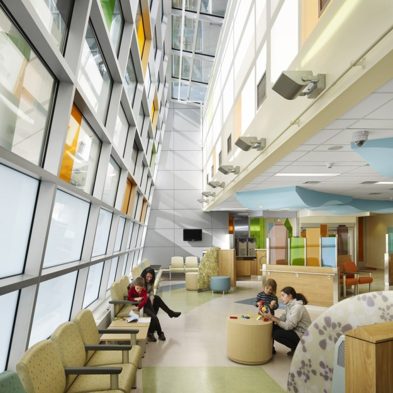 MCMASTER CHILDREN'S HOSPITAL (MCH) / BY PARKIN ARCHITECTS