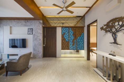 10 Family lounge space with abstract artwork