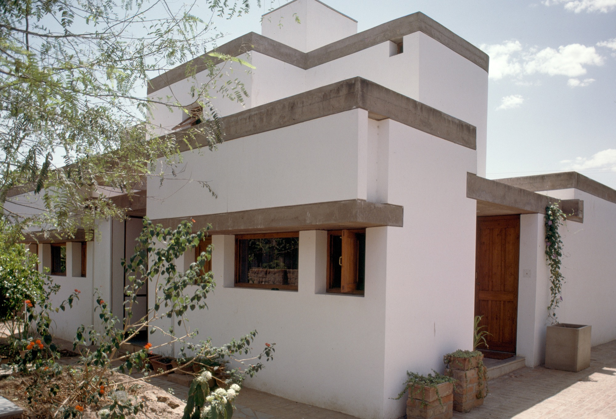 Of Light, Shade and Shelterdness in Design of Private Residences - P. Venugopal 3