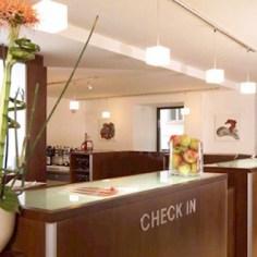 Architekt Daniel Gutmann - Hotel Rathauspark Wien - Rezeption