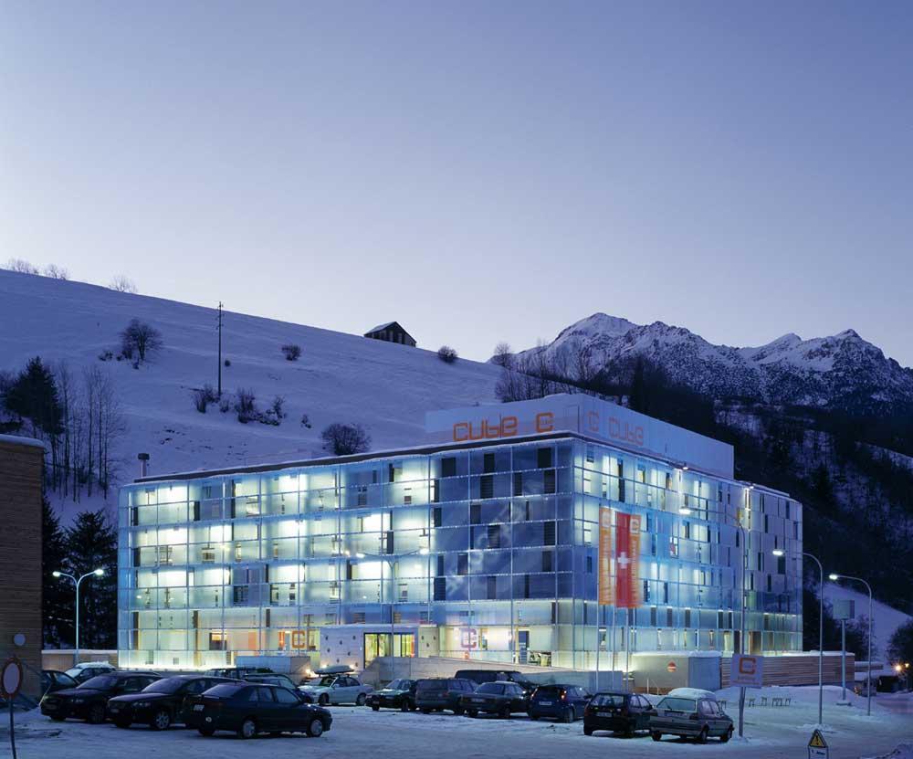 Architekt Daniel Gutmann - The Cube Hotels - Cube Savognin - Schweiz