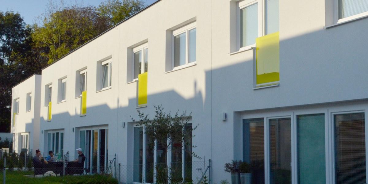 Reihenhausanlage Groß-Enzersdorf - Fassade gartenseitig