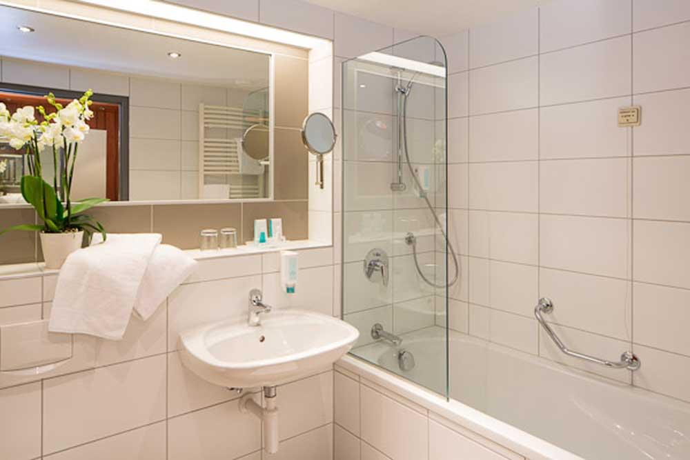 Hotel Europa Graz - Zimmer - Bad