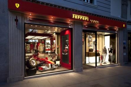 IMG_Ferrari-Store-Madrid-5