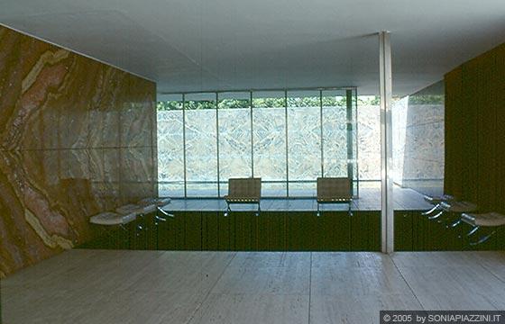 BARCELLONA  Padiglione di Mies Van der Rohe  la concezione dello spazio