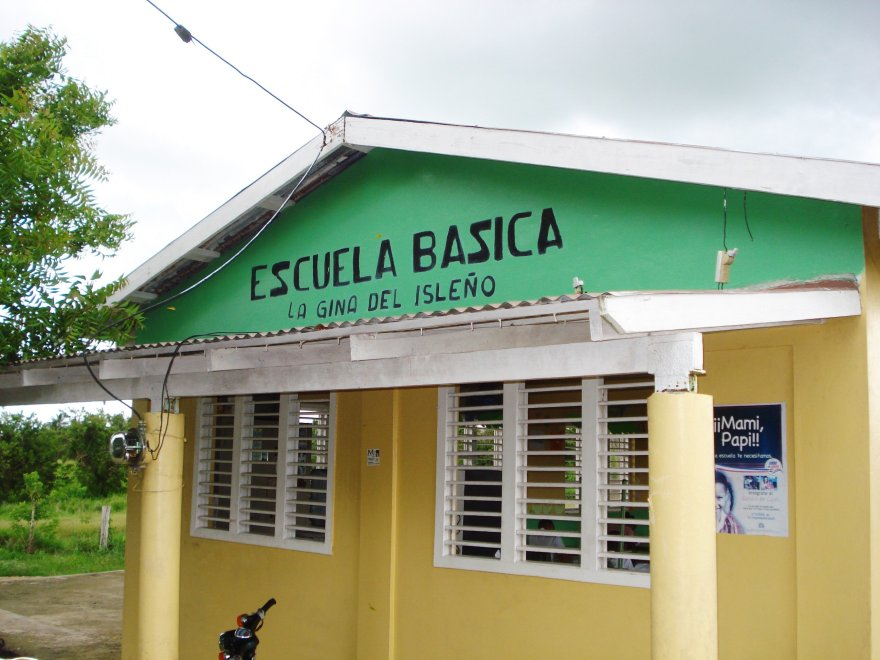 Dominican Republic - La Escuela