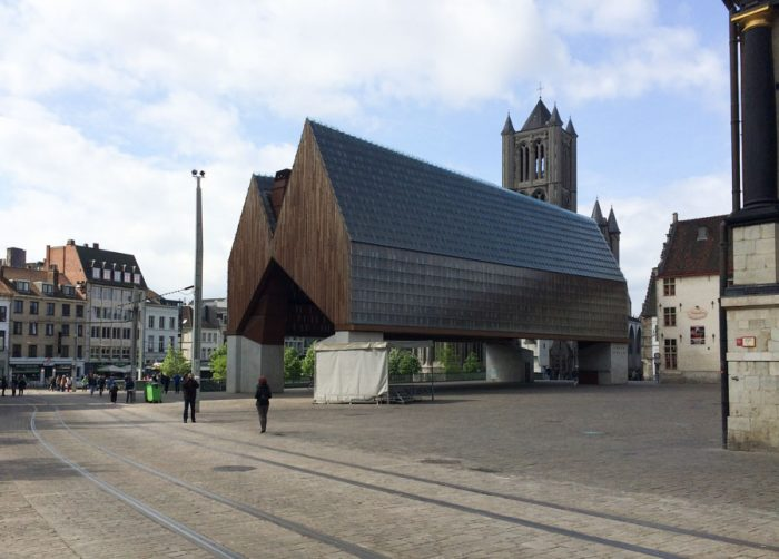 There is just so much to see and experience, you'll want to plan for at least 48 hours in Ghent, if not more. Here are some of the top things you must do during your 48 hours in Ghent, while keeping your travels within a friendly budget!