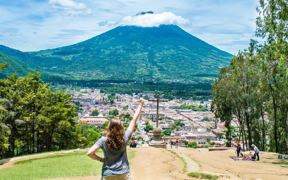 If you're planning a visit to Antigua, Guatemala soon, here is a helpful guide to hiking the Cerro de la Cruz - the most scenic point in Antigua!