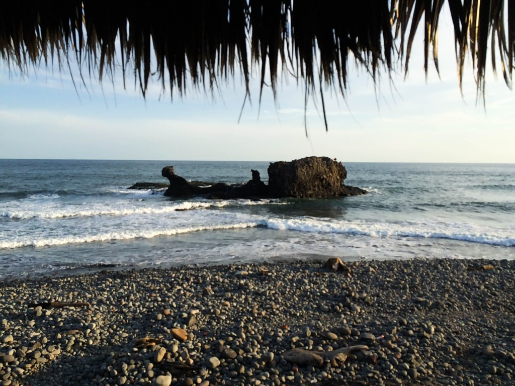 If you're looking for an off the beaten path, laid-back beach destination that won't be flooded with vacationers check out Playa El Tunco, El Salvador!
