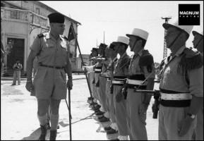 El general Cogny pasa revista a la legión extranjera