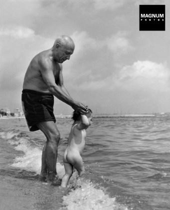 Picasso y su hijo, 1948. Robert Capa