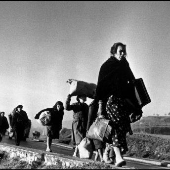 Civiles buscan una vida mejor desplazándose a la frontera francesa, 1939