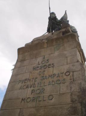 Monumento a los Héroes de Ponte Sampaio levantado en la Plaza de España de Pontevedra (1)