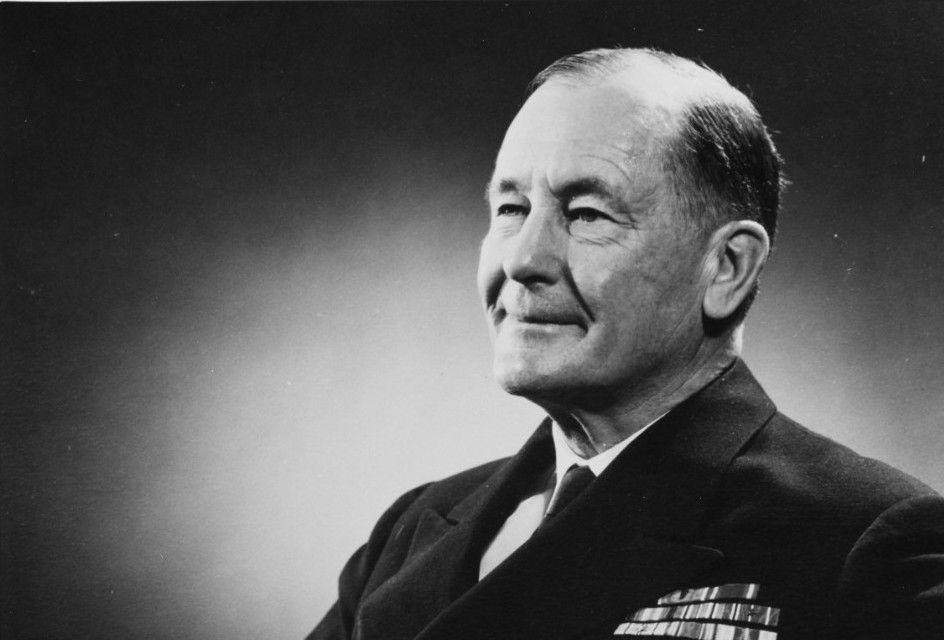 El historiador y contraalmirante de la Armada estadounidense Samuel Eliot Morison (1887-1976).