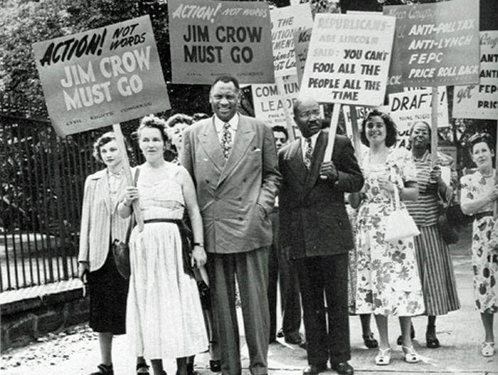 Paul Robeson protesta por los derechos de los afroamericanos