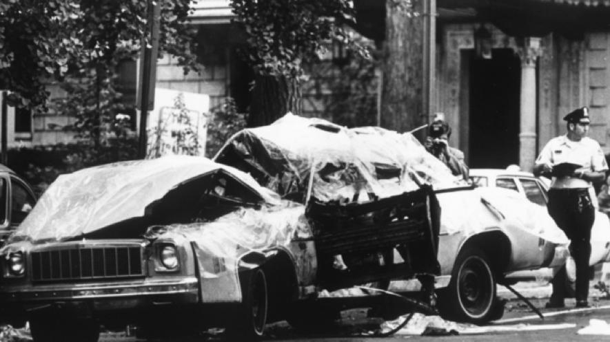 El asesinato del ex-canciller chileno mediante una bomba Orlando Letelier en Washington (1976) enturbió definitivamente la imagen de Pinochet en el exterior. Una cosa era violar los DDHH en el interior como hacían Argentina y Chile, otra llevar estas violaciones a ciudadanos extranjeros o a las mismas puertas de la Casa Blanca.