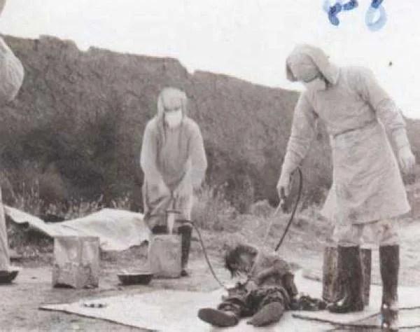 Prueba bacteriológica de prevención de plagas dirigida por la Unidad 731 en Nong'an Condado, noreste de China (1940). Desconocido | Wikimedia