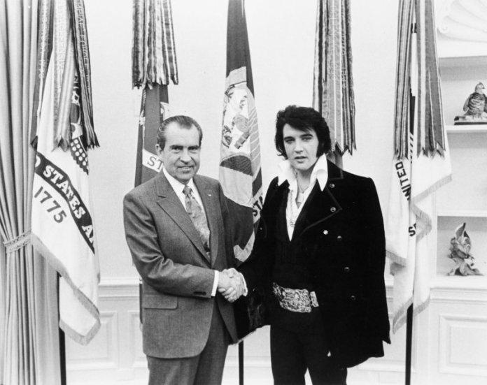 Richard Nixon y Elvis Presley en el Despacho Oval, 21 de noviembre de 1970