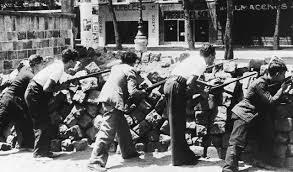 Milicianos de la CNT en los Sucesos de Mayo en Barcelona, 1937.