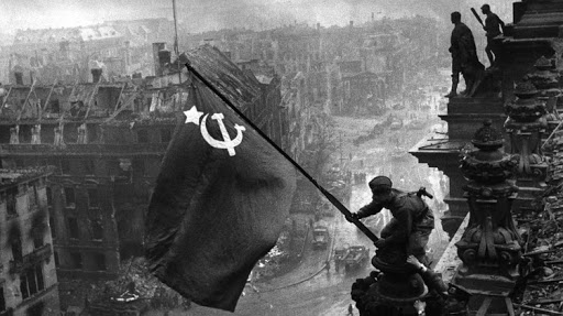 The Soviet Army captures the Reichstag