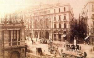 Fachada del Gran Teatre del Liceu a finales del siglo XIX (Desconocido) | Wikimedia
