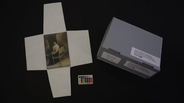 Proceso de conservación de las fotografías de la colección Hnos. López Andrés. AHPA.