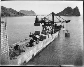 Grúa Titán durante la construcción del embarcadero de El Hornillo, Águilas (c. 1902)