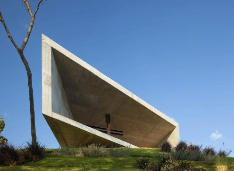 Cardedeu Chapel by EMC Arquitectura 21_archute