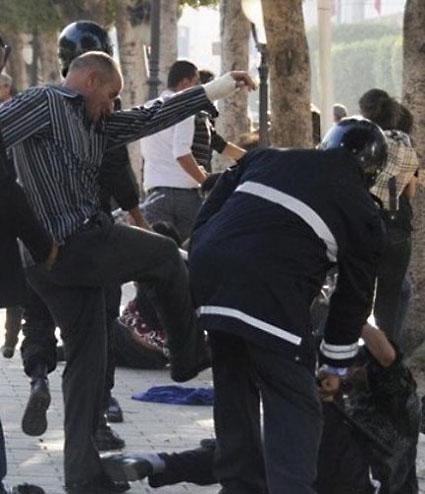 https://i0.wp.com/www.archyves.net/html/Blog/wp-content/uploads/2011/05/tunis-vendredi.jpeg